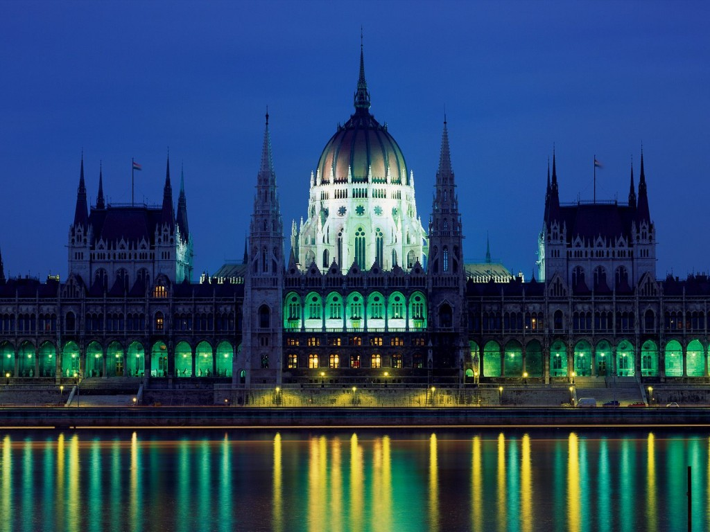 All about Hungary Fun Science Facts for Kids - Image of the Parliament Building in Budapest Hungary
