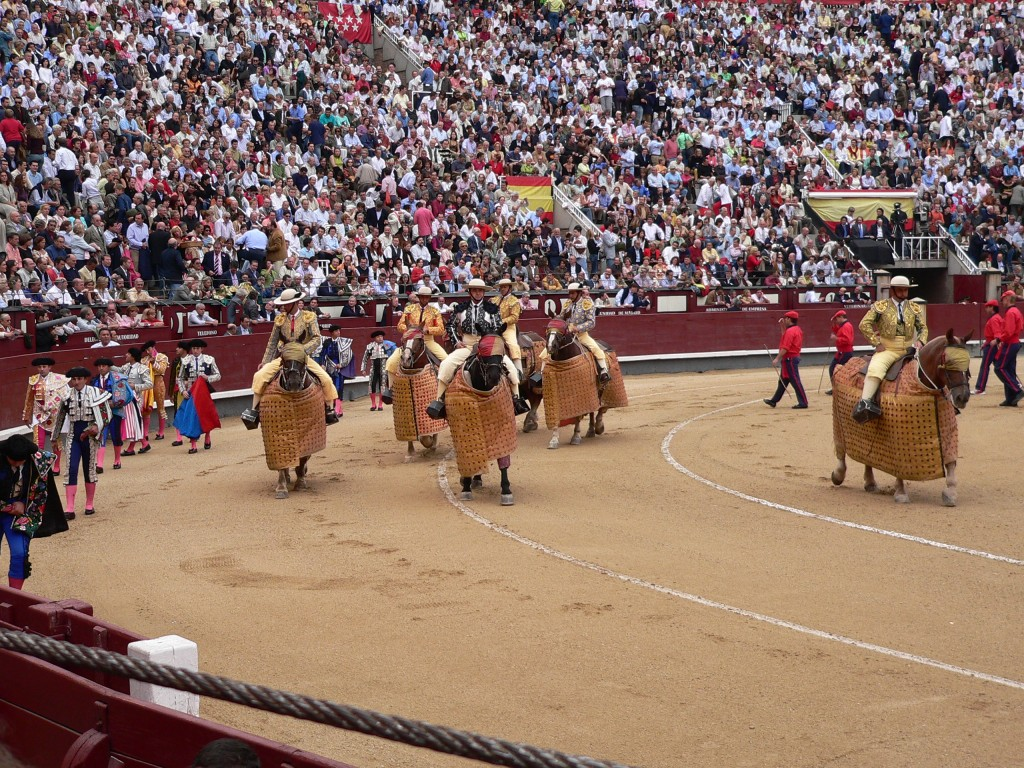Easy Geography for Kids on Spain - Image of a Bull Run in Spain