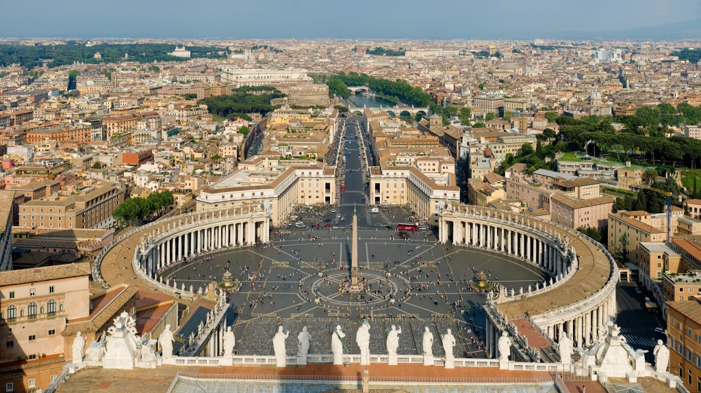 Fun Science for Kids All about the Vatican City - Image of the St Peter Square in Vatican City