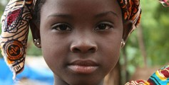 Fun Geography Facts on Mali for Kids - Image of a Bozo Girl in Bamako, Mali - Mali Quiz