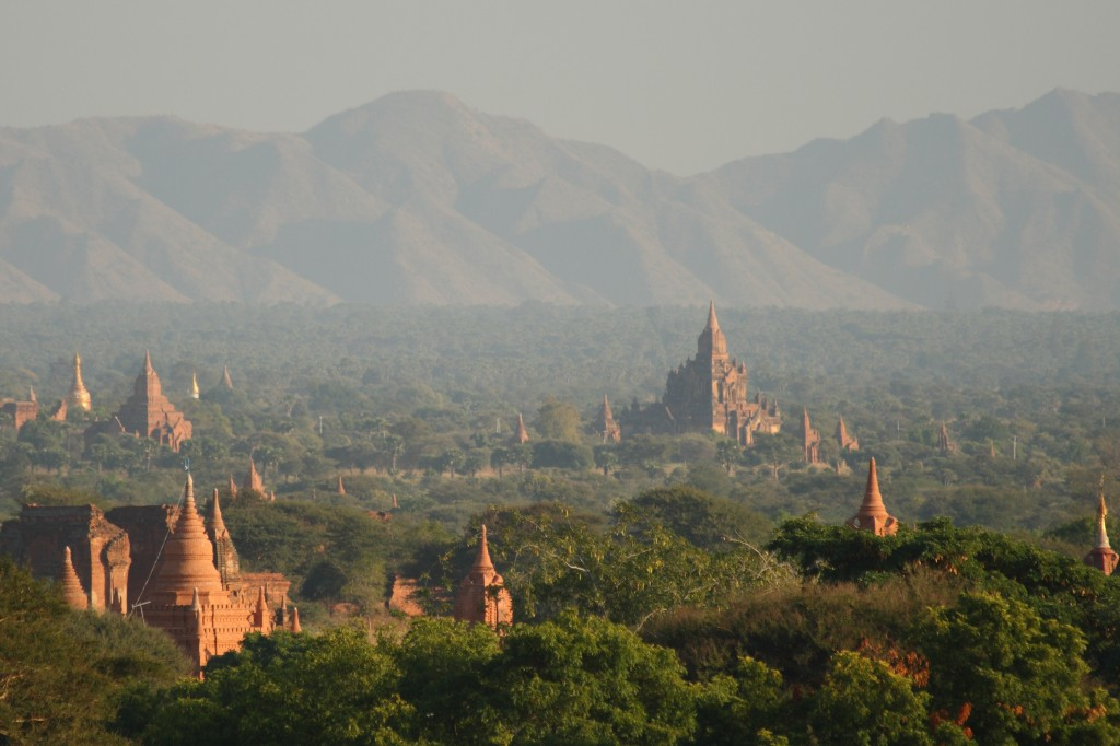 Fun Science for Kids on the Man-made Wonders of the World - Image of the Bagan Temples in Myanmar